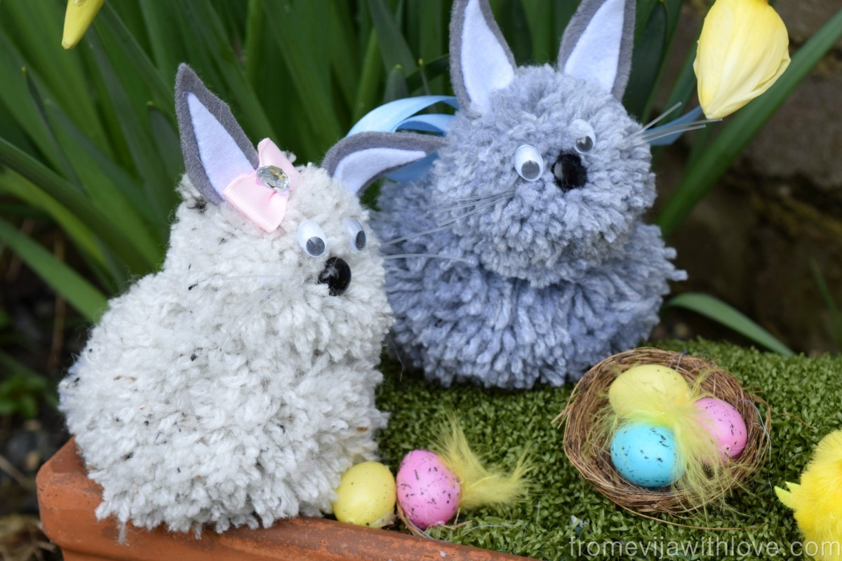 How to Make Easter Pom-Pom Bunnies