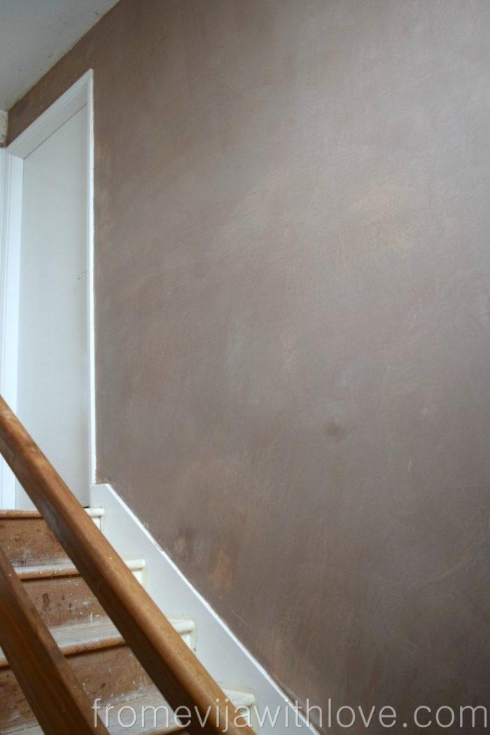 plaster-walls-hallway