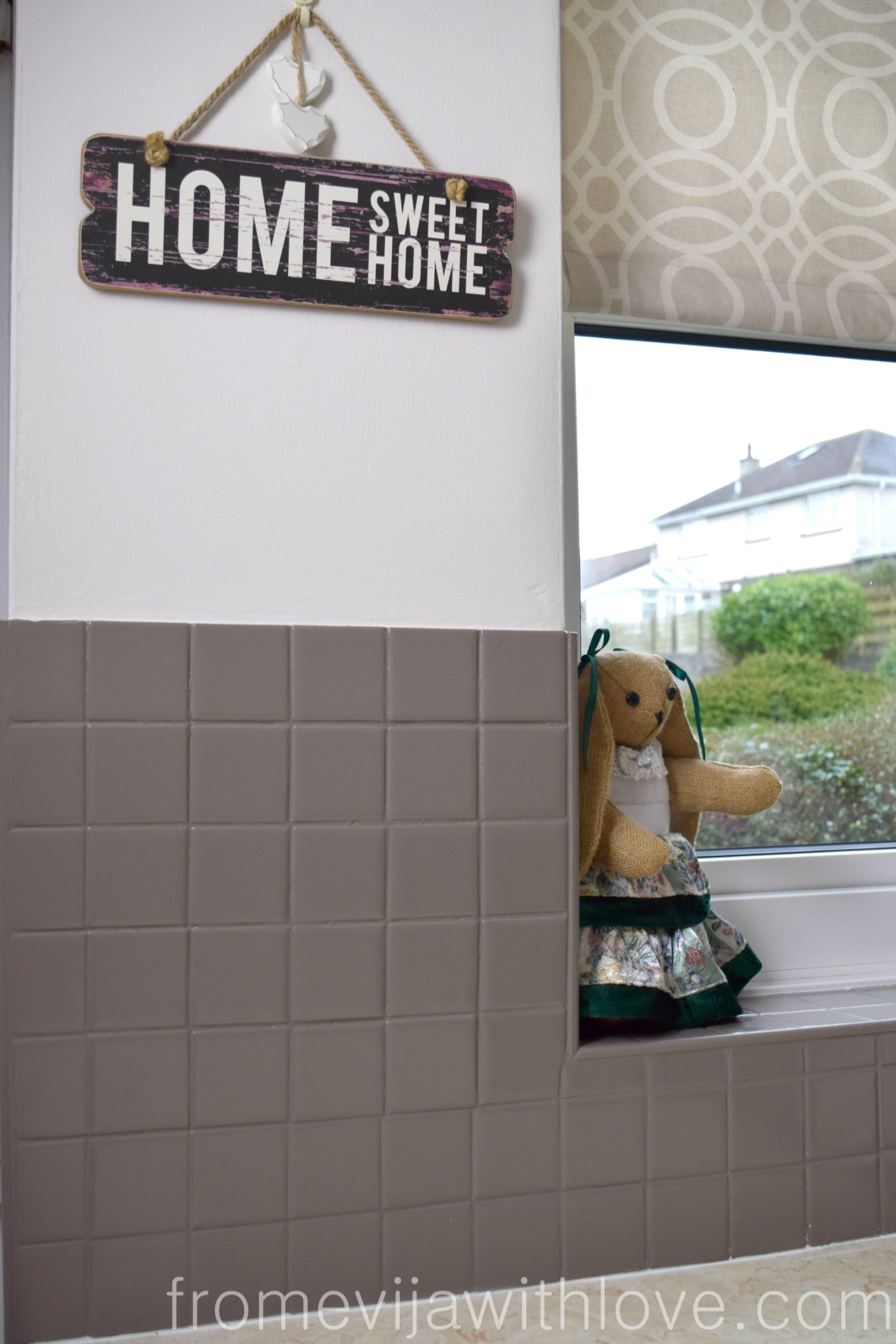 Painting Kitchen Tiles: Quick And Easy Kitchen Makeover