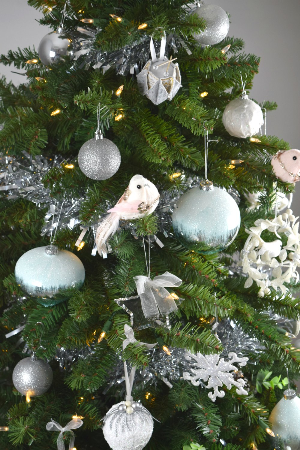 there are so many beautiful ornaments to choose from on amara website i was spoilt for choice in the end i opted for these beauties - Beautiful Christmas Ornaments