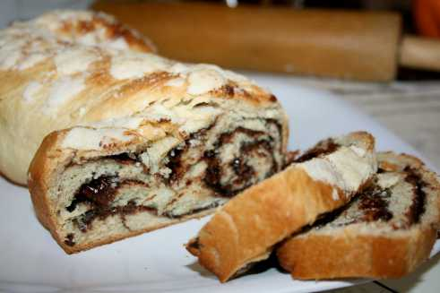 Chocolate Babka Bread via FromFoodiewithLove.com