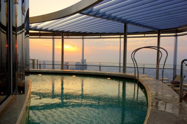 Infinity pool in Burj Khalifa
