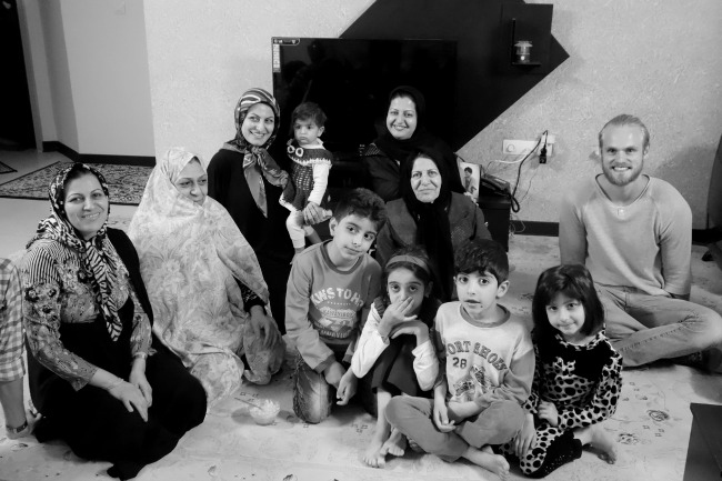 Typical Iranian family, Family from Lar