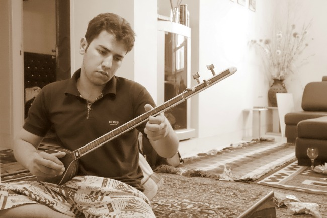 Playing a tar in Iran