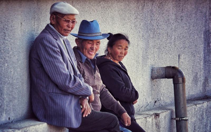 Erdenet to Moron travel10