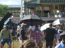 """Always celebrity spotting! We spotted Anthony Anderson and the cast of """"Black-ish"""" filming!"""