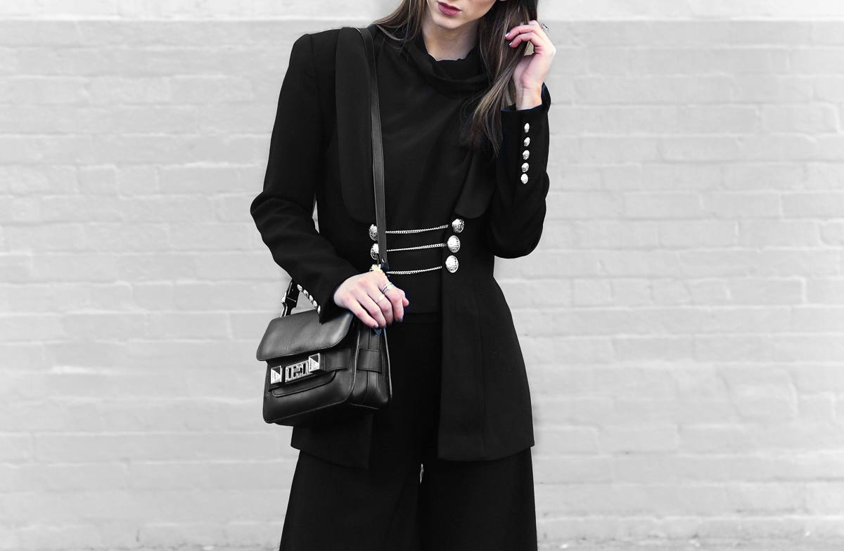 Statement blazer - all black outfit