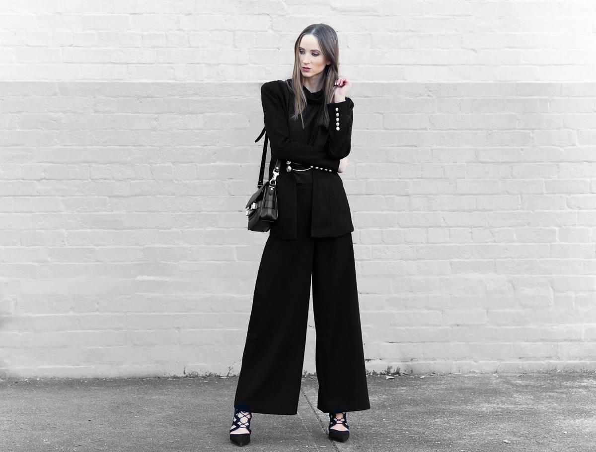 wide leg pants all black outfit