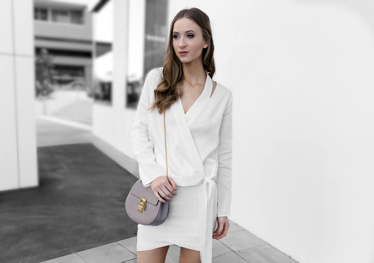 All white outfit Isla White Light Top chloe drew bag taupe