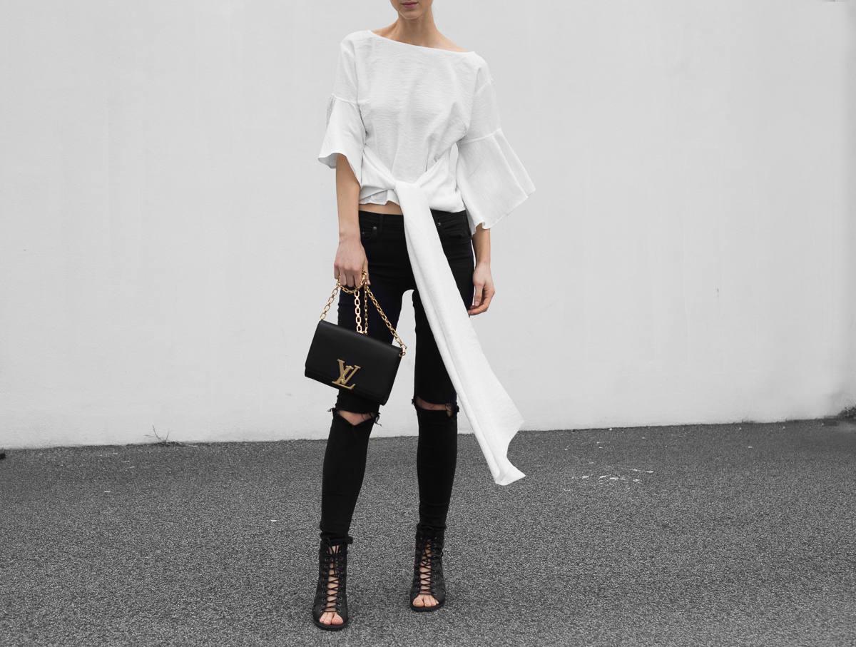 Louis Vuitton Chain Louise bag outfit