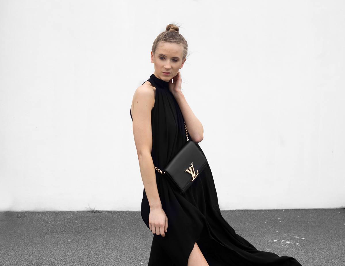 Louis Vuitton Chain Louise Bag black