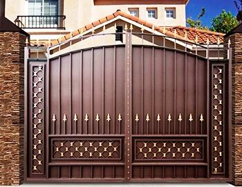 Обычные металлические ворота
