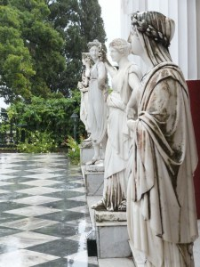 Achilleion Skulpturen