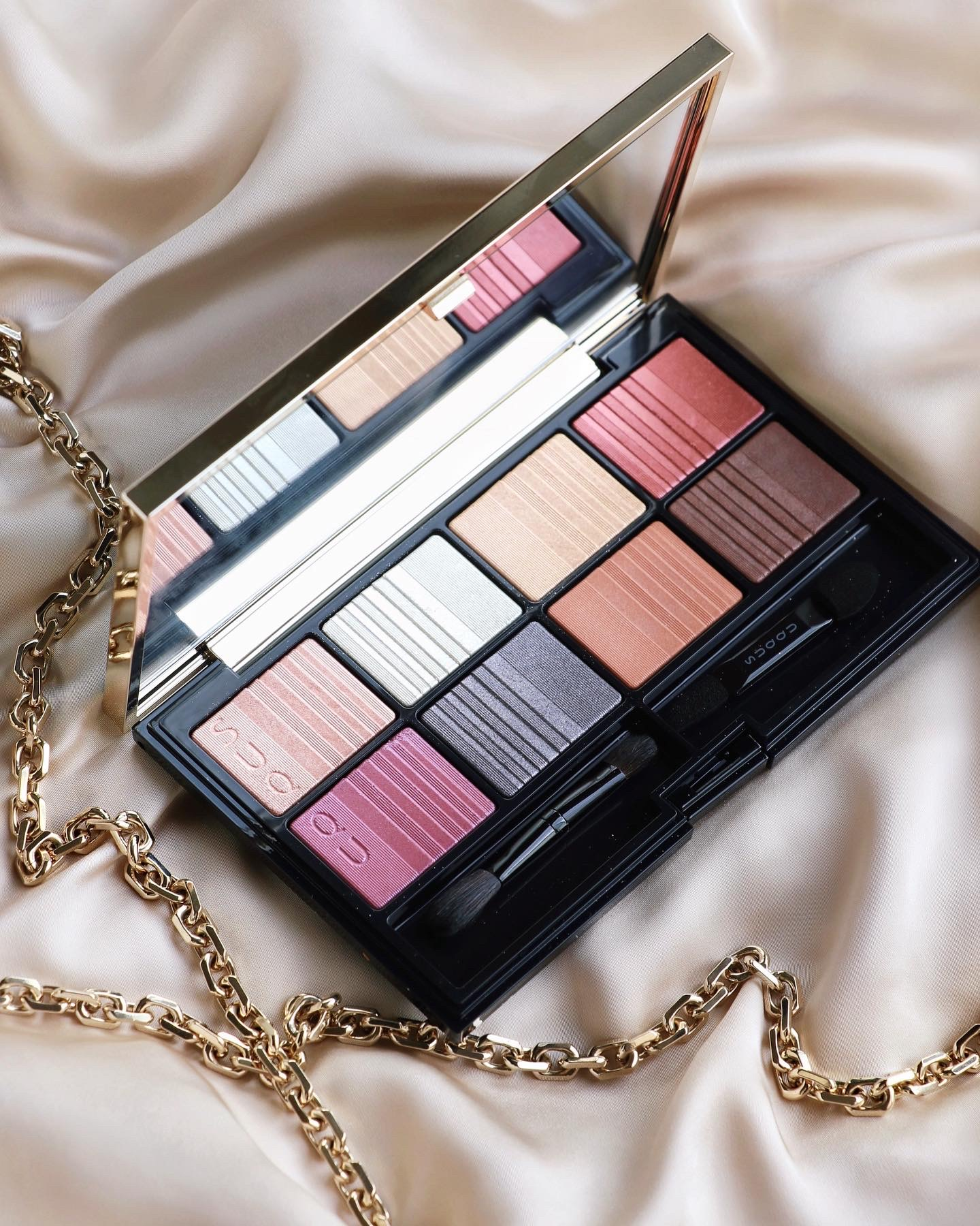 SUQQU 2020 Holiday Collection  Eyeshadow Compact