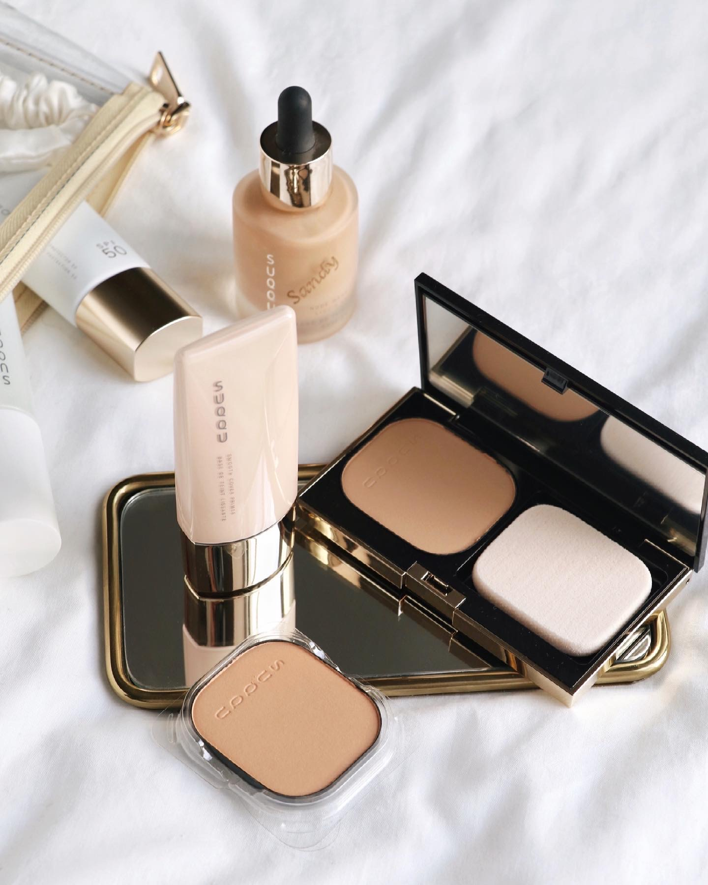 SUQQU Glow Powder Foundation