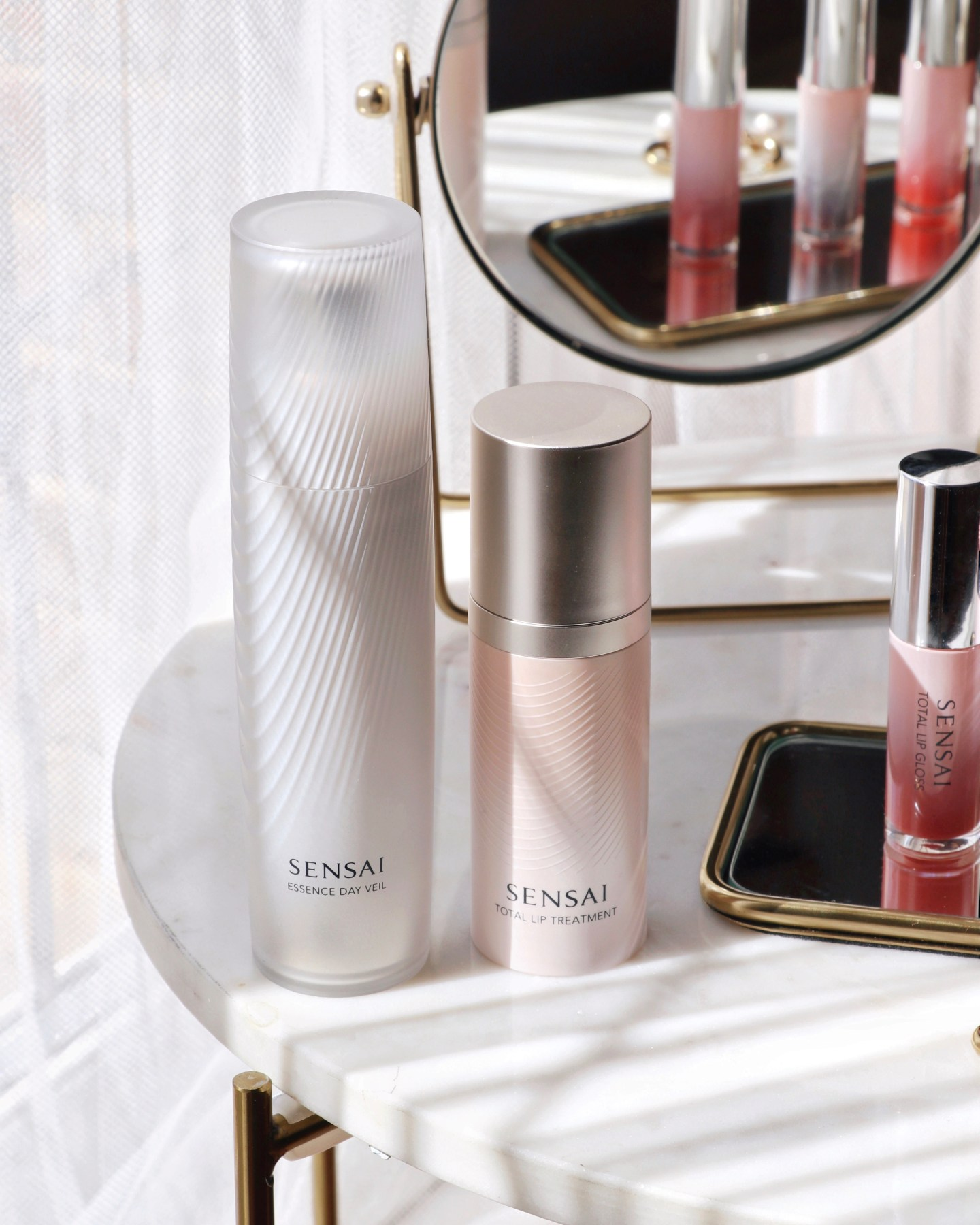 SENSAI Total Lip Gloss and Total Lip Treatment Review & Swatches