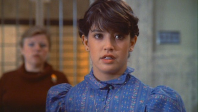 Phoebe-Cates-as-Kate-Beringer-in-Gremlins-phoebe-cates-23733552-1360-768