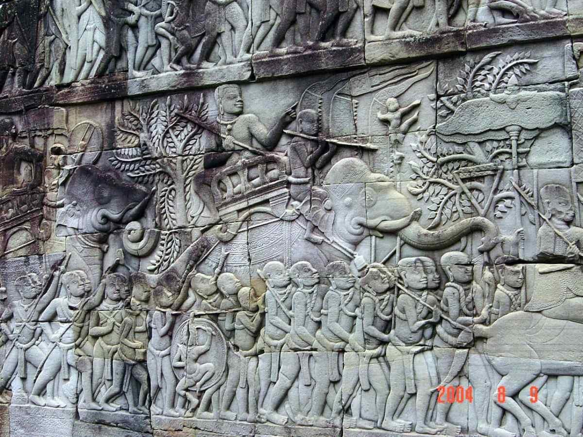 2004 Cam_Angkor Thom Walls1