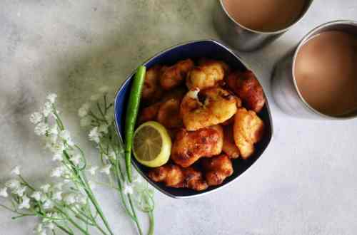 from the corner table, #fromthecornertable, Maida Pakoda, #indiansnacks