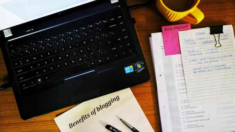 fromthecornertable, from the corner table, blogging, blogging benefits