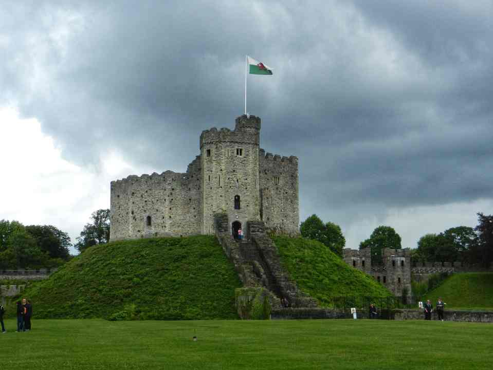 fromthecornertable, travelblog, travelblogger, england, englandcities, englandtowns, englandvillages, english, unitedkingdom, travelengland, travelUK, things-to-see, must-see-england, must-visit-england, cardiff, cardiffcastle