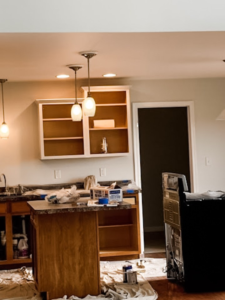 painting kitchen cabinets- in progress 3