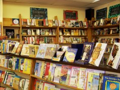 EdmondsBookshop_interior_upstairs