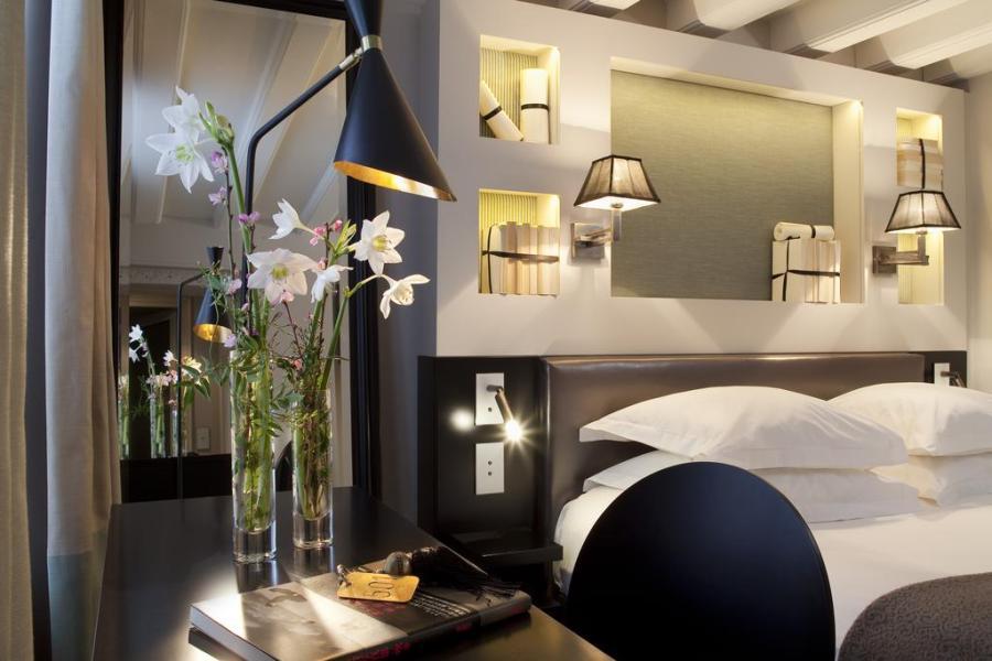Chaque année,  Conde Nast Travel Magazine identifie des nouveaux hôtels dans le monde entier.  J'ai parcouru pour vous les 154 endroits listés dans cet article et ai sélectionné ceux qui ont retenu mon attention en Europe.