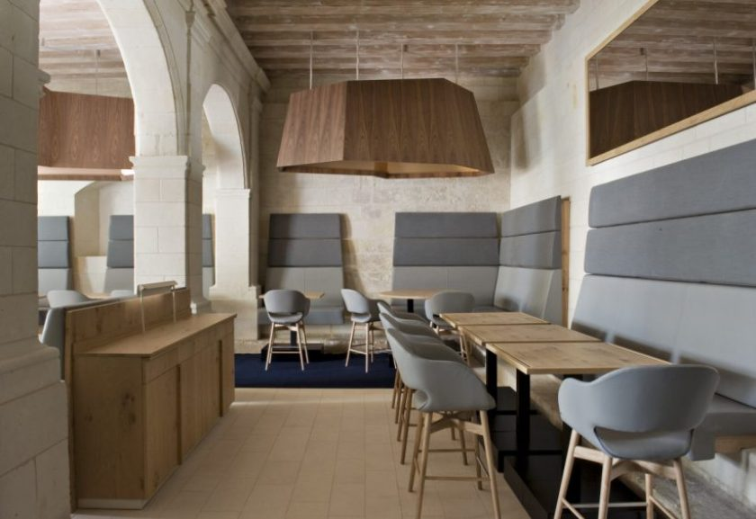 You can also have great food at the Hotel Fontevraud, recently redesigned with style and respect for the architectural context.