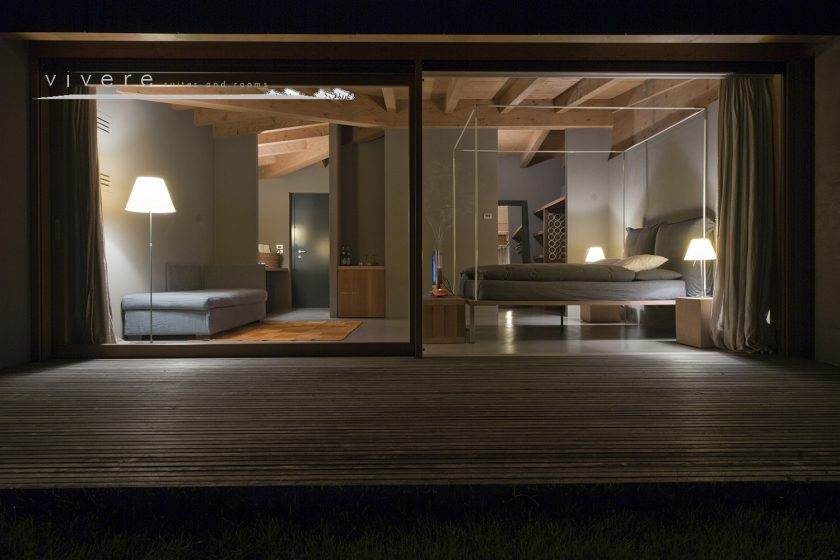 7 Lake Como hotels. Vivere suite and rooms, Lombardy, Italy. Design in the middle of the countryside with outdoor pool.