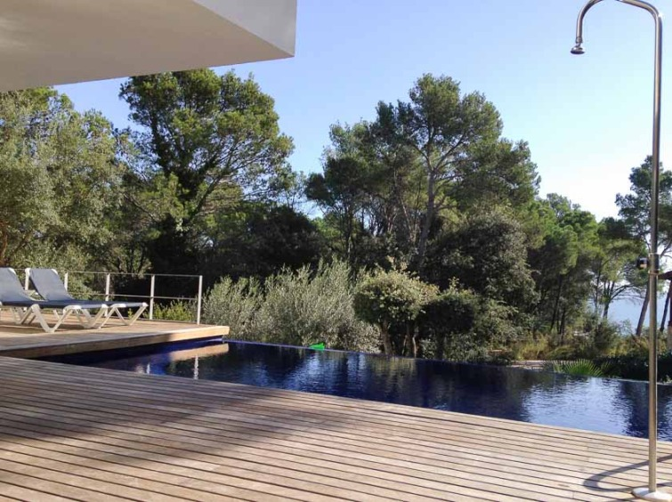 A family-friendly villa rental with pool for a sunny holiday in Spain (1/2)