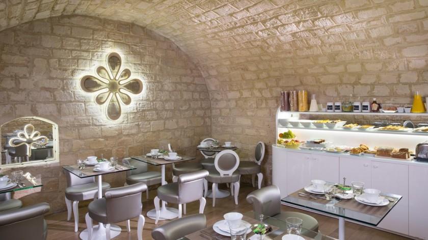 breakfast-room-services_hotel_chavanel_paris