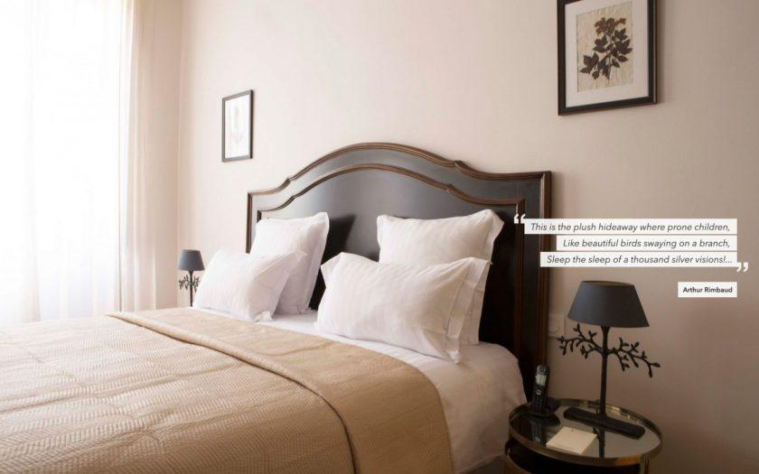 Hotel de la Villeon, bedroom with quote