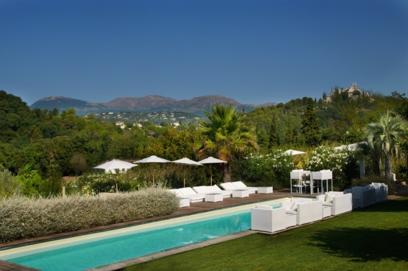 Toile blanche, cote d'azur, france. 7 rooms from 130 euros in low season