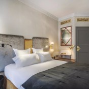 On Sunday morning, I received a lovely email from one of my loyal readers, Cécile.  She was walking around the Halles neighbourhood in Paris and came across a new boutique hotel which she immediately thought of telling me about.