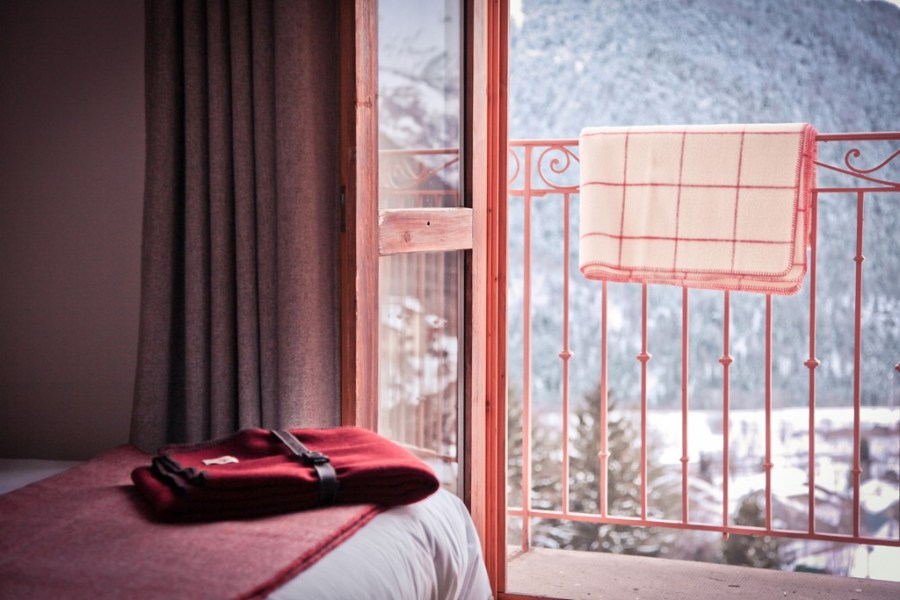 Auberge du Val Joli, a simple and very welcoming inn for skiing in the Alps. Click to find more stylish boutique hotels for family holidays.