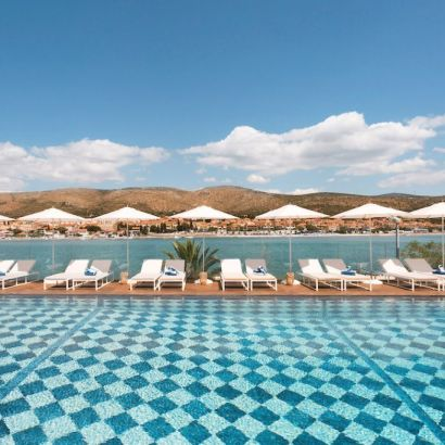 Finally a boutique hotel in Croatia! 25 bedrooms, nicely decorated lounges, a pool and close to the beach!