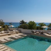 Corsica is one of the most beautiful island of the Mediterrannée but it's not always been easy to find boutique hotels.  So I was very pleased to discover Misincu which has reinvented a popular old hotel called Le Caribou.