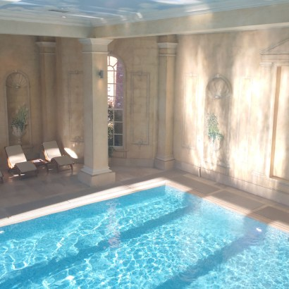 Chewton Glen review, why this luxury hotel in the English countryside is the perfect place for a family holiday or celebration. The fabulous indoor heated pool in the spa