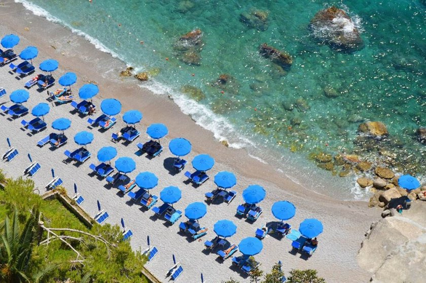 Borgo Santandrea Amalfi is the newest 5-star hotel opening on the Amalf coast. It's scheduled to open its doors to visitors in Spring, Covid permitting.  I was immediately seduced by the harmonies of blue and by that fabulous situation.