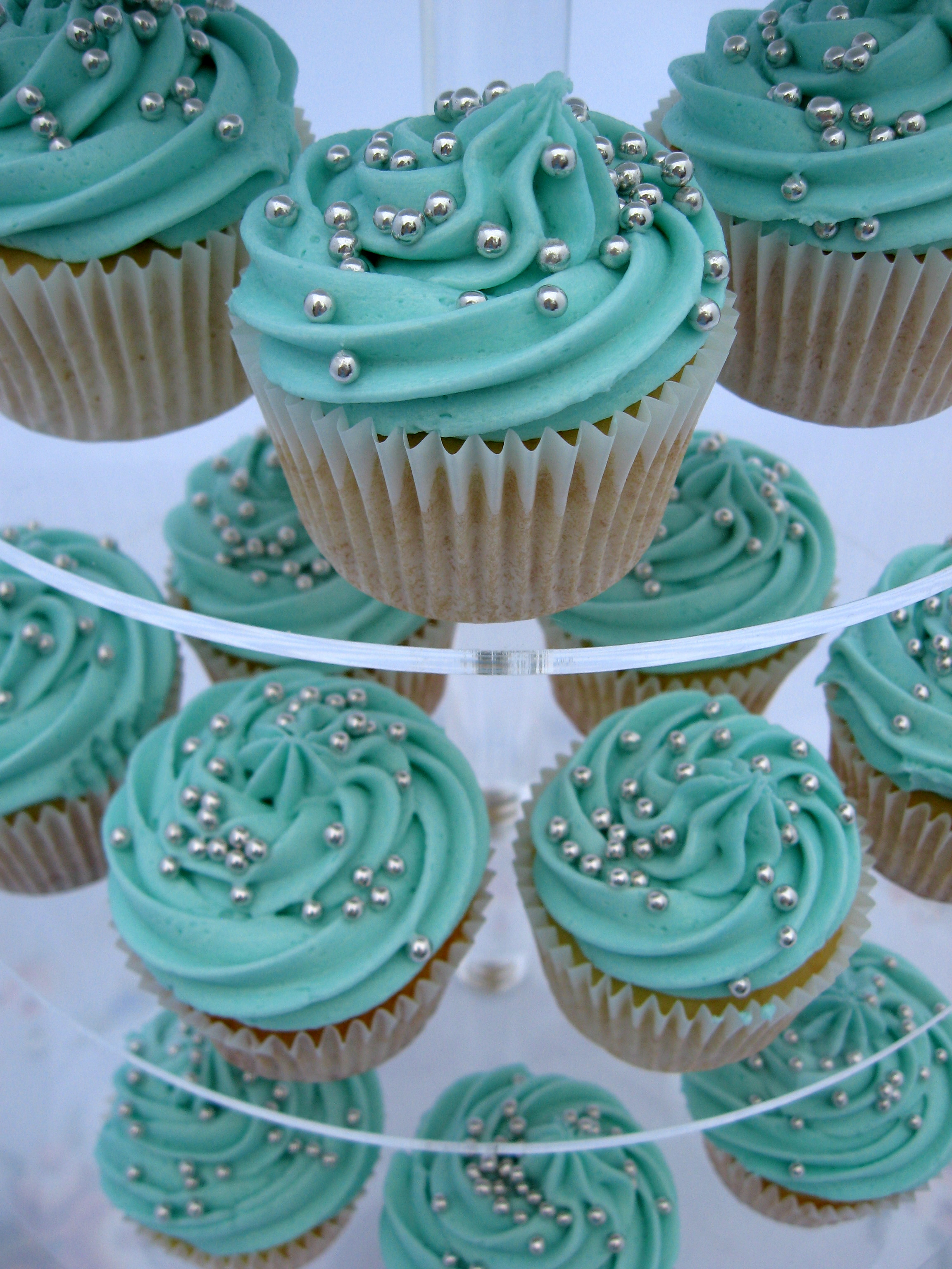 Turquoise Amp Silver Wedding Cupcakes For Lucy And Jamie