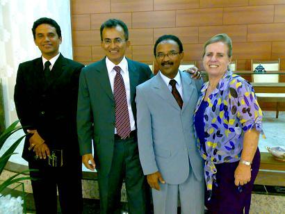 Pastor Mesquita, ladeado pelo evangelista Renato e pastor Valcir-irmã Ritinha