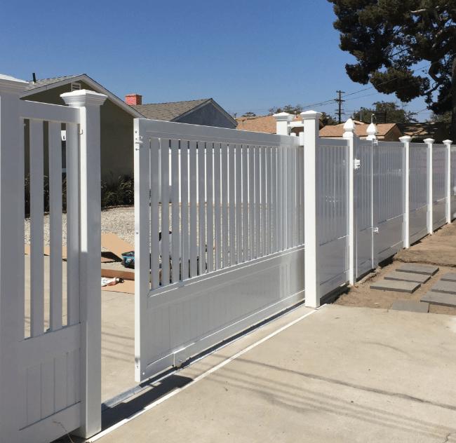 vinyl-fencing-in-San-Demas