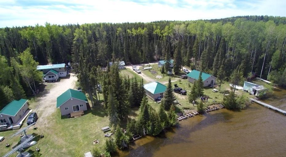 Fishing-Hunting-Camp-Northeast-of-Thunder-Bay-Ontario-For-Sale-1