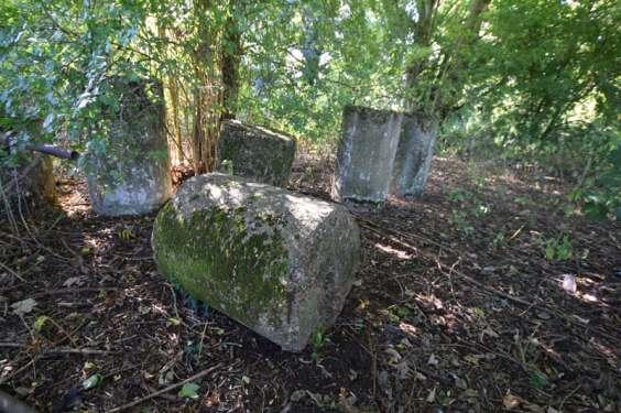 Anti-Tank Cylinders at Wouldham Bridging Camp