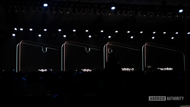 "Samsung displays with different cut-outs - the ""New Infinity"" is completely non-existent and could provide a housing-to-display ratio of 100 percent"
