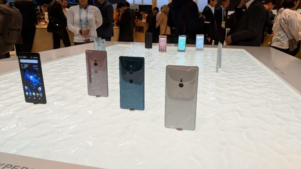 Group photo: Sony's new Xperia XZ2 family at MWC 2018 Photo t3n