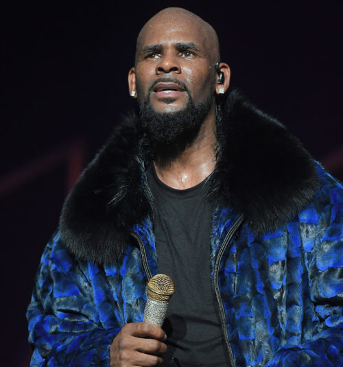 R.Kelly's arrest ordered, to face criminal sex abuse charge in Chicago