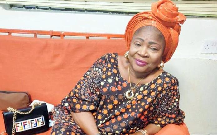 Salawa Abeni releases nude picture, refuses to be blackmailed