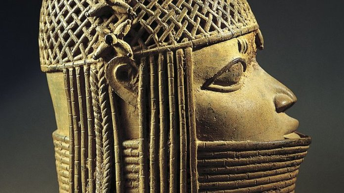 Benin Bronzes: Nigeria dispute jeopardises return of artefacts